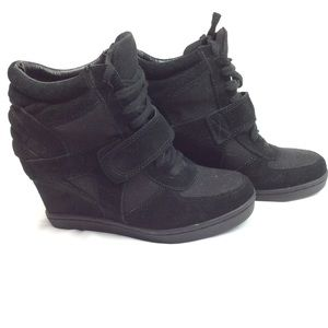 Steve Madden wedge booties black size 7.5